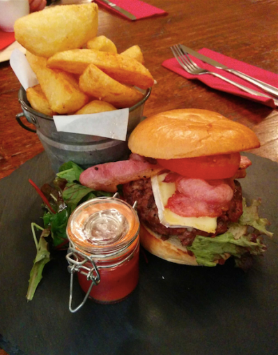 Wick beef burger with bacon