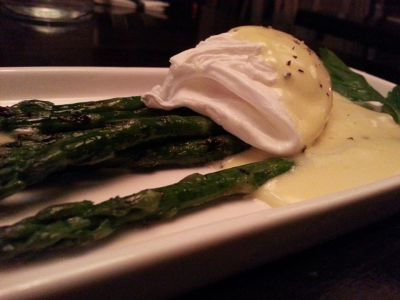 Popolo's asparagus, egg, and hollandaise sauce