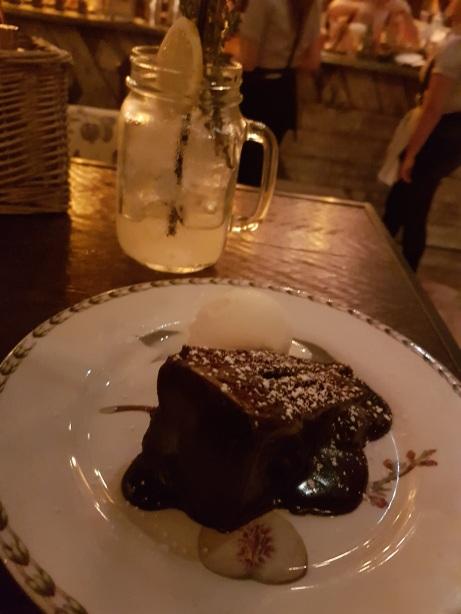 fudge-cake